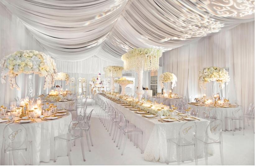 Veškeré svatební dekorace máme skladem ihned k zapůjčení